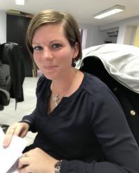Clarisse, Secrétaire commerciale à l'agence Fains-Veel